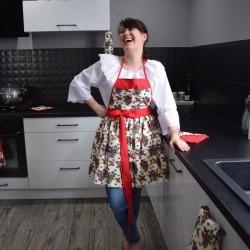 Fartuch sukienkowy, folklor w Twojej kuchni, bolesławiecki dostępny od ręki